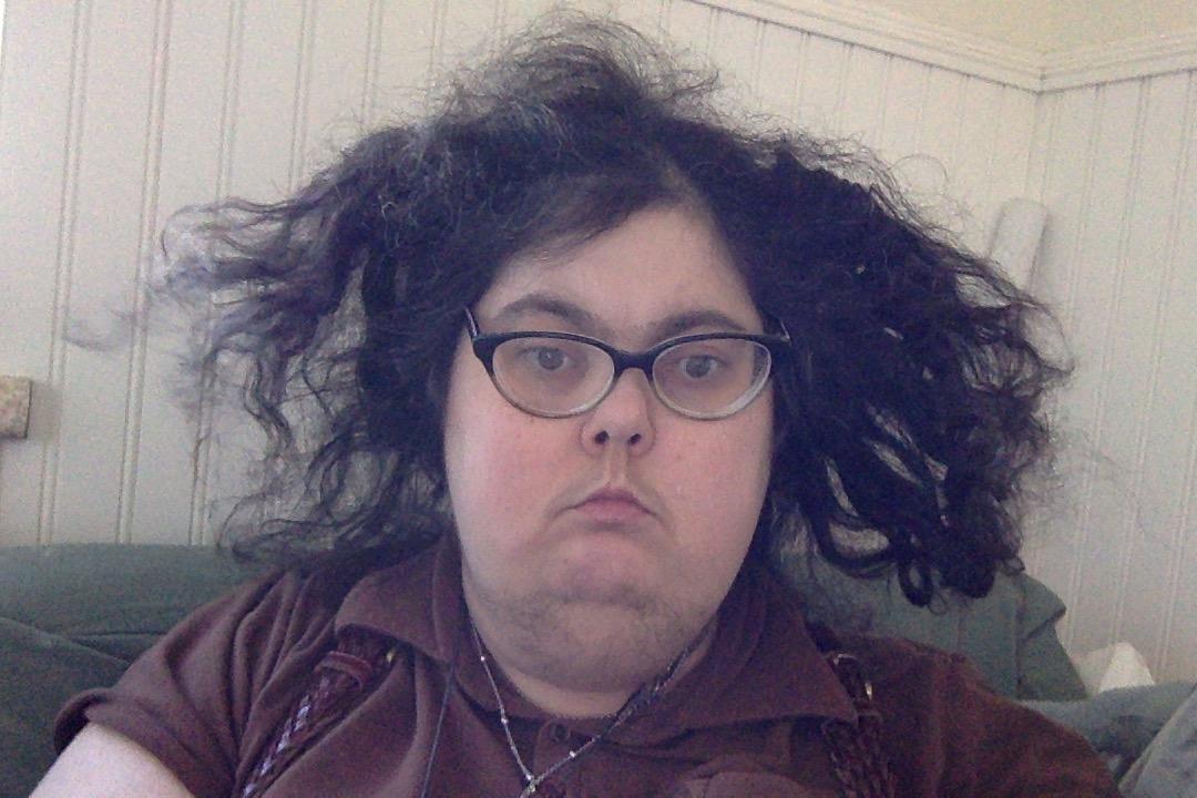 Humid hair Photo on 7-5-17 at 7.45 AM